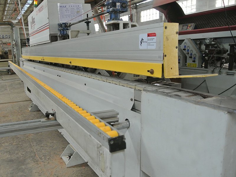 Finishing - Edge banding machine